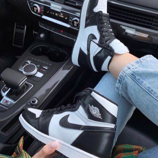 Nike Air Jordan 1 Black